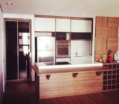 Apartamentos pequenos: 320 projetos de profissionais de CasaPRO - Casa - Cozinha americana projetada por Willian Gomes