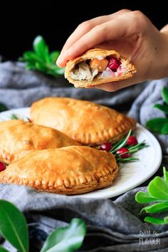 Use up leftover turkey from Thanksgiving or Christmas in a delicious way! Make up a batch of these leftover turkey and sweet potato pasties for dinner. Leftover Turkey, Turkey Leftovers, Thanksgiving Dinner Recipes, Christmas Recipes, Rough Puff Pastry, Traditional Christmas Dinner, Fresh Cranberries, Recipe Using, Food Pictures