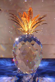 Swarovski Crystal Pineapple - I think I could make this work as a bag idea in a collection...