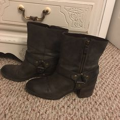 Grey leather ankle boots Franco Sarto grey leather ankle boots with 2.5in heel. Near flawless condition. Worn once. Size 9 and fits like a true 9. Offers always welcome. Franco Sarto Shoes Ankle Boots & Booties