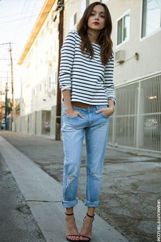 Girlfriend jeans outfit with breton top, hoops, red lips and sandals