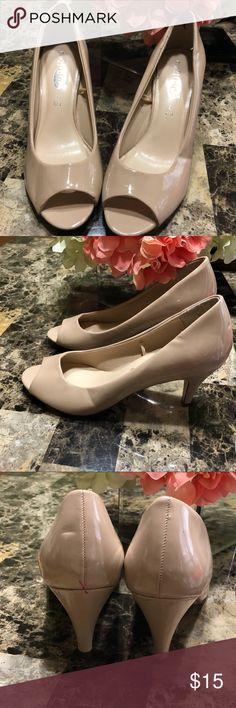 Rue 21 Peep Toe Pumps Size L 8/9 Rue 21 Peep Toe Pumps Size L 8/9 Rue 21 Shoes Heels