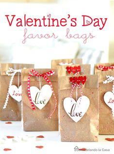 Valentines Goodie Bags, Kinder Valentines, Valentines Bricolage, Valentines Day Treats, Valentines Day Decorations, Homemade Valentines, Valentines Day Gifts For Him Boyfriends, Valentine Gifts For Kids, Valentine Day Crafts