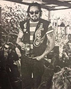 Hells Angels MC, Vintage bikers, Old biker patches, Motorcycle clubs from the to the Hey Kurt Sutter! Motorcycle Clubs, Biker Clubs, Sonny Barger, Biker Party, Hells Angels, Harley Davidson Art, Vintage Biker, Biker Quotes, Beatnik