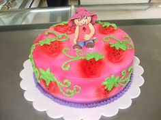#strawberrycake # fondant