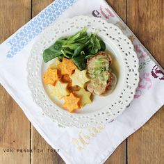 Weihnachtsessen: Schweinemedaillons in Rahmsauce mit Sterntaler-Kartoffeln und Feldsalat
