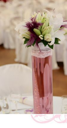 Diy wedding decorations some of the best wedding decorations are five easy do it yourself wedding centerpiece ideas solutioingenieria Images