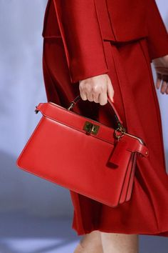 Fashion Hub, Fashion Details, Fashion Bags, Luxury Fashion, High Fashion, Fashion Trends, Vogue Paris, Edgy Shoes, Luxury Purses