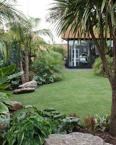 Tropical garden ideas, tips and photos. Inspiration for your tropical landscape . Tropical garden ideas, tips and photos. Inspiration for your tropical landscape .