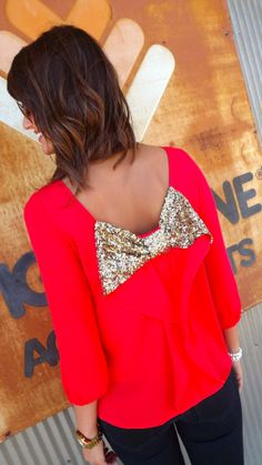 What a cute fall weather date night top! Dress it up or down for the occasion.