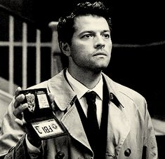 Can You Make It Through These 25 Castiel GIFs Without Swooning?