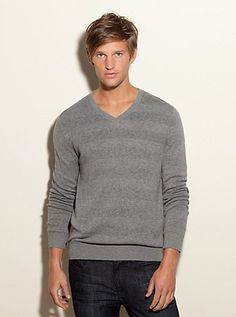 Long-Sleeve V-Neck Sweater | GUESS.com