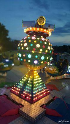 Festival vienna Vienna, Christmas Bulbs, Holiday Decor, Photography, Home Decor, Christmas Light Bulbs, Homemade Home Decor, Fotografie, Photography Business