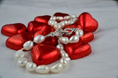Items similar to vintage style baroque pearl necklace hand-knotted on silk with pretty decorative clasp Valentine's gift on Etsy Pearl Necklace Vintage, Vintage Pearls, Baroque Pearls, Vintage Style, Vintage Fashion, Silk Thread, Valentine Gifts, My Etsy Shop, Classic