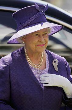 queen elizabeth 2006