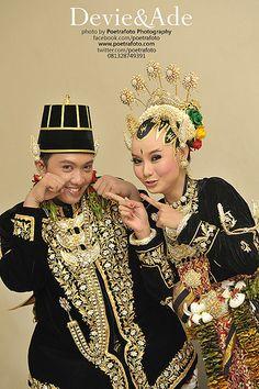 Portrait Wedding Photo by Poetrafoto Indonesia Photographer based in Yogyakarta, http://wedding.poetrafoto.com/foto-paes-ageng-wedding-adat-jawa-jogja_362