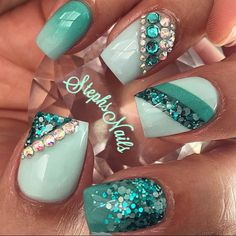 In search for some nail designs and ideas for the nails? Here's our list of 12 must-try coffin acrylic nails for fashionable women. Blue Toe Nails, Mint Nails, Green Nails, Glitter Nails, Teal Acrylic Nails, Fabulous Nails, Gorgeous Nails, Teal Nail Designs, Nagel Bling