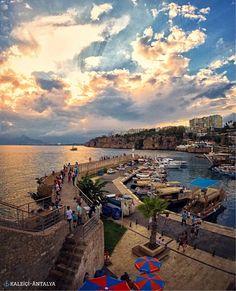 ⚓️#安塔利亞 舊城附近的遊艇碼頭景色。©onderkoca