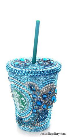 Está lindo; pero no me gusta que sea de Starbucks. Por eso mejor digo que seguro es el vaso especial para las Nalgashans, jajaja!!