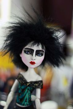 Siouxsie Sioux : Monster High Spectra Vondergeist Doll Repaint by Refabrications Monster High Art, Monster High Repaint, Monster High Dolls, Siouxsie Sioux, Siouxsie & The Banshees, Punk Rock, Dark Wave, Goth Bands, Goth Music