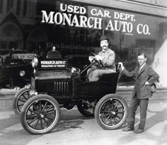 Monarch Auto Co., Ford dealership, (Lincolns) Brook and Broadway Streets, Louisville, Ky. 1920's