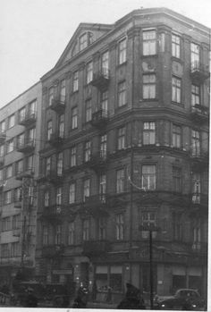 """Narożnik ulic Leszno i Solnej obecnie Al. """"Solidarności"""" z Al. Jana Pawła II. fot. 1939r., źr. warszawa.ag.gov.pl / Referat Gabarytów."""