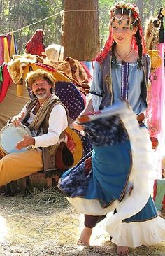 gypsy dancer East European Perhaps as in Bulgaria, Rumania or Czek perhaps Gypsy Life, Gypsy Soul, Bulgaria, Gypsy People, Gypsy Girls, Gypsy Living, Bohemian Lifestyle, We Are The World, Belly Dancers