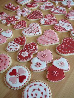 Valentine's Day Sugar Cookies, Fancy Cookies, Iced Cookies, Cute Cookies, Cupcake Cookies, Cookies Et Biscuits, Heart Cookies, Party Cupcakes, Cream Cookies