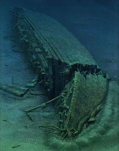 WWI; HMHS Britannic wreck 37°42′05″N 24°17′02″E lies 400 feet (122 m) of water.1st discovered by Jacques Cousteau in 1975. http://twitter.com/ThisDayInWWI/status/800485879185698816
