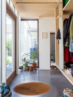 Interior Design Inspiration, Home Interior Design, Entry Way Design, Random House, Black House, Living Room Interior, Storage Spaces, Sweet Home, New Homes
