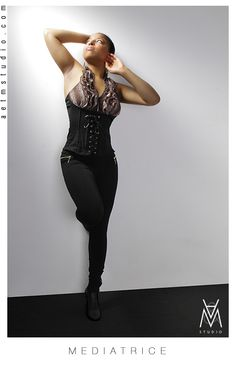 { MEDIATRICE }    Coaching - Malika Anthony pour A Studio  Photographie - Eric Madelaine pour A Studio