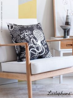 Our decoration cushions comes in a vide range of patterns, designed in Sweden by Camilla Lundsten. This Aquatic cushion is made of our high quality fabric weave made of 100% cotton, developed to make our patterns age with grace and to stand the test of time. Image: Aquatic black/white cusion