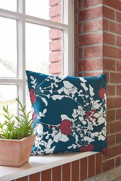 ARTEFLY Ikea Klippan cover BETA - interior styling / modern floral motif with a vegetable twist #artefly #klippan #sofa #cover #slipcover #ikea #cotton #throw #couch #2seater #seater #design #homedecor #interior #pattern #pillow #cushion #colorful