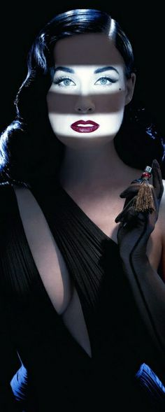 PHOTO✰EXPOSÉ : Dita von Teese by Ali Mahdavi Pure Glamor & so very haunting