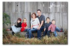 family of 6 portrait pose