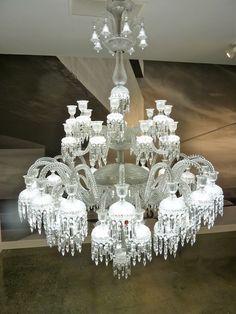 Baccarat Solstice Comète chandelier, with 48 LED lights