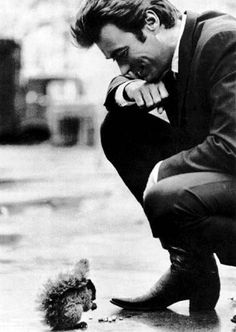 clint eastwood visiting with a little squirrel. Never thought you could use Clint Eastwood and cute inthe same sentence.