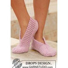 Ladies' Slipper Knitting Pattern in DROPS