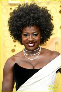 Viola Davis in 3 Forevermark Diamond Necklaces by Rahminov Get this look for less Viola Davis, Cartier Earrings, Vera Wang Gowns, Natasha Lyonne, Ball Skirt, Celebrity Jewelry, Holiday Jewelry, Color Negra, Diamond Necklaces