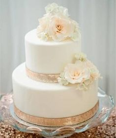 Gorgeous Wedding Cake Fresh Flowers Combo You Will Love – Bridezilla Flowers Wedding Cake Fresh Flowers, Elegant Wedding Cakes, Cool Wedding Cakes, Bridezilla, Edible Flowers, Day Lilies, Confectionery, Vanilla Cake, Safe Food