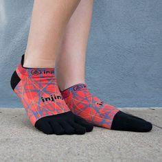 いいね!198件、コメント2件 ― Injinjiさん(@injinji)のInstagramアカウント: 「Hit the pavement in socks as fierce as you are. #Running #FindYourPath #Injinji」