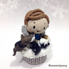 Benedict Cumbercupcake with dogs in Finland--so cute!