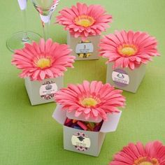 gerbera+daisies+for+wedfing+favors   96 Pink Gerbera Gerber Daisy Wedding/Bridal Shower Favor Boxes