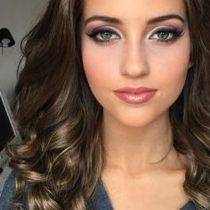 Um wow! I loooooove her #face #makeupbyme for her first #pageant ever #pageantheadshots #beautiful #naturalbeauty #brunette #greeneyes #realeyes #beautifuleyes #pageants #pageantmakeup #pageantmakeupartist #pageantmakeuplesson #misshoustonteen #misstexasteen #missteenusa #beautifullips #curlyhair #theperfectface #TPFCOSMETICS #danielledoyle
