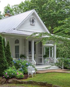 Shabby Chic Cottage, Cottage Style, Victoria Magazine, Gazebo, Porch, Farmhouse, Outdoor Structures, Cottages, Tennessee