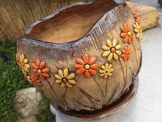 Koule světlá s miskou- 23 cm / Zboží prodejce MJ keramika Cement Art, Hand Built Pottery, Sgraffito, Terracotta Pots, Garden Styles, Plant Decor, Serving Bowls, Clay, Ceramics