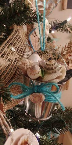 Cheap And Easy DIY Coastal Christmas Decorations Ideas (9)