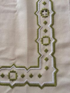 Lesage, Bargello, Fiber Art, Needlepoint, Embroidery, Blanket, Cool Stuff, Hand Embroidery Stitches, Embroidery Stitches