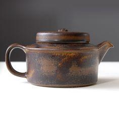 Dzbanek do herbaty Arabia Ruska, Finland | Tea ketlle Arabia Ruska, Finland | buy on Patyna.pl  #ArabiaRuska #Finland #Arabia #tea #jug #ketlle #midcentury #modern #retor #vintage #vintagefinds #kitchen #musthave #retro #icon #ceramics #Lubierzeczy