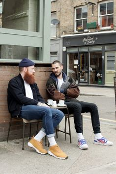 The beard. the socks. the tiny hat. my dad kind of rocks thi Look Fashion, Urban Fashion, Mens Fashion, Fashion Design, Fashion Trends, Men Street, Street Wear, Style Masculin, London Photos